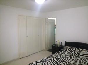 Apartamento En Venta En Caracas - Las Palmas Código FLEX: 16-8178 No.9