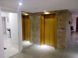 Apartamento En Venta En Caracas - Las Palmas Código FLEX: 16-8178 No.16