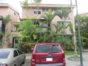 Apartamento En Venta En Caracas, La Bonita, Venezuela, VE RAH: 16-8168