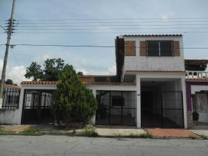 Casa En Venta En San Joaquin, Villas Del Centro, Venezuela, VE RAH: 16-8172