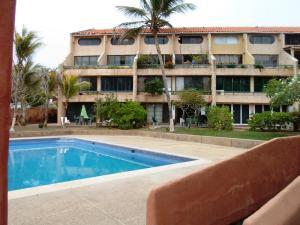 Apartamento En Venta En Municipio Antolin Del Campo Paraguachi, El Cardon, Venezuela, VE RAH: 16-8184