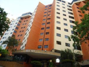 Apartamento En Venta En Valencia, El Bosque, Venezuela, VE RAH: 16-5437