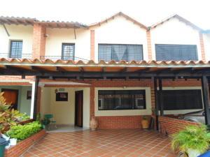 Townhouse En Venta En Municipio San Diego, La Cumaca, Venezuela, VE RAH: 16-8213