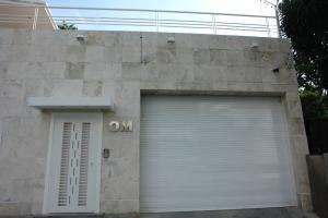 Casa En Ventaen Caracas, Altamira, Venezuela, VE RAH: 16-8212