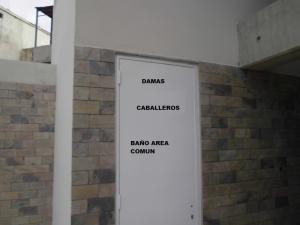 Apartamento En Venta En Caracas En La Castellana - Código: 16-8214