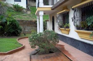 Casa En Venta En Valencia, Lomas Del Este, Venezuela, VE RAH: 16-8470