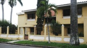 Casa En Venta En Valencia, Trigal Norte, Venezuela, VE RAH: 16-8347