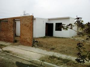 Casa En Venta En Municipio Los Guayos, Buenaventura, Venezuela, VE RAH: 16-8243