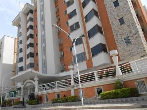 Apartamento En Venta En Maracay, Los Chaguaramos, Venezuela, VE RAH: 16-8251