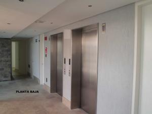 Apartamento En Venta En Caracas En La Castellana - Código: 16-8256