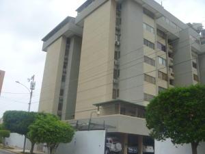 Apartamento En Venta En Maracaibo, Tierra Negra, Venezuela, VE RAH: 16-8263