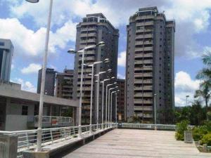Local Comercial En Venta En Caracas, La Carlota, Venezuela, VE RAH: 16-8937
