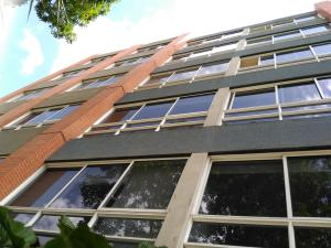 Apartamento En Venta En Caracas, Lomas De Las Mercedes, Venezuela, VE RAH: 16-8294
