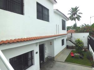 Casa En Venta En Caracas, La Carlota, Venezuela, VE RAH: 16-8297