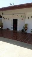 Casa En Venta En Punto Fijo, Pedro Manuel Arcaya, Venezuela, VE RAH: 16-8305