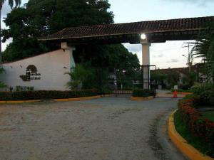 Casa En Venta En Higuerote, Higuerote, Venezuela, VE RAH: 16-8317