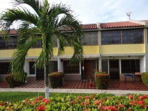Apartamento En Ventaen Higuerote, Higuerote, Venezuela, VE RAH: 16-8319