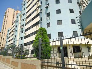 Apartamento En Venta En Municipio Naguanagua, Palma Real, Venezuela, VE RAH: 16-8404