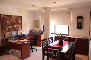 Apartamento En Venta En Maracaibo, Avenida Bella Vista, Venezuela, VE RAH: 16-8479
