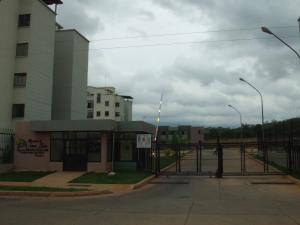 Apartamento En Venta En Valencia, El Portal De San Luis, Venezuela, VE RAH: 16-8247