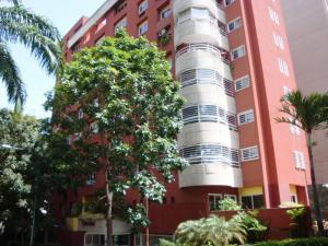 Apartamento En Venta En Caracas, El Rosal, Venezuela, VE RAH: 16-8480