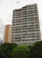 Apartamento En Venta En Caracas, Santa Eduvigis, Venezuela, VE RAH: 16-8481