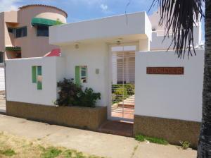 Casa En Ventaen Higuerote, Puerto Encantado, Venezuela, VE RAH: 16-8501