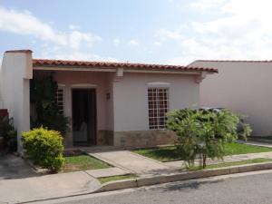 Casa En Venta En Guacara, Ciudad Alianza, Venezuela, VE RAH: 16-8515