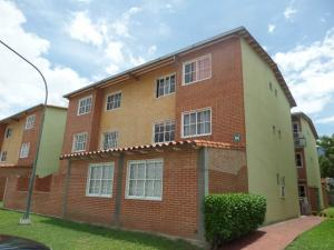 Apartamento En Venta En Guatire, Alto Grande, Venezuela, VE RAH: 16-8467