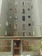 Apartamento En Venta En Los Teques, El Encanto, Venezuela, VE RAH: 16-8581