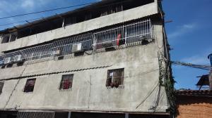 Apartamento En Venta En Caracas, Monterrey, Venezuela, VE RAH: 16-8650