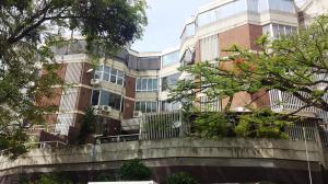 Apartamento En Venta En Caracas, Lomas De Las Mercedes, Venezuela, VE RAH: 15-13088