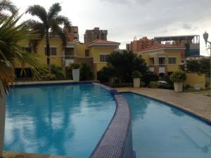 Townhouse En Venta En Maracaibo, El Milagro, Venezuela, VE RAH: 16-8655