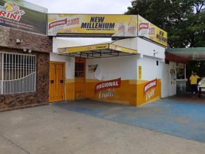 Local Comercial En Venta En Maracaibo, La Trinidad, Venezuela, VE RAH: 16-8660
