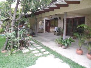 Casa En Venta En Caracas, La Tahona, Venezuela, VE RAH: 16-8816