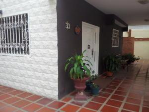 Casa En Venta En Cabimas, El Solito, Venezuela, VE RAH: 16-8687