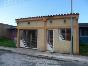 Casa En Venta En Valencia, Flor Amarillo, Venezuela, VE RAH: 16-8684