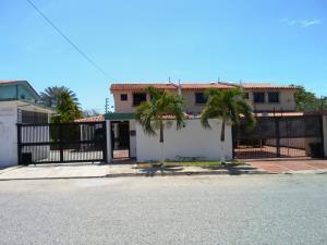 Townhouse En Venta En Margarita, Jorge Coll, Venezuela, VE RAH: 16-8725