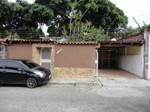 Casa En Venta En Caracas, La Trinidad, Venezuela, VE RAH: 16-8733