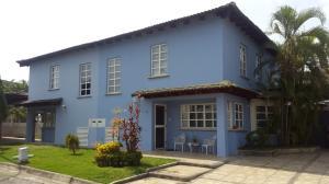 Casa En Venta En Guatire, Vista Montana, Venezuela, VE RAH: 16-8737