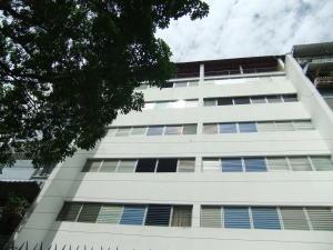 Apartamento En Venta En Caracas, Los Chaguaramos, Venezuela, VE RAH: 16-8767