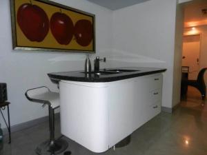 En Venta En Caracas - Alto Prado Código FLEX: 16-8811 No.7