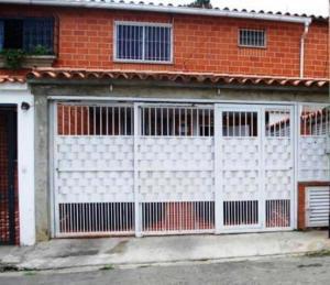 Casa En Venta En Carrizal, Llano Alto, Venezuela, VE RAH: 16-7922