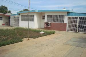 Local Comercial En Venta En Municipio San Francisco, La Coromoto, Venezuela, VE RAH: 16-8840
