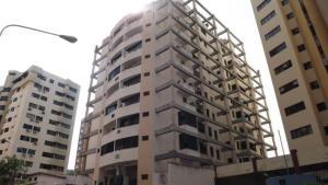 Apartamento En Venta En Valencia, El Bosque, Venezuela, VE RAH: 16-8851