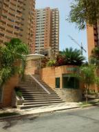 Apartamento En Venta En Valencia, Las Chimeneas, Venezuela, VE RAH: 16-8781