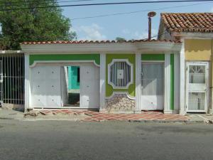 Casa En Venta En Coro, Centro, Venezuela, VE RAH: 16-8867
