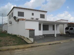 Casa En Venta En Cabudare, Parroquia José Gregorio, Venezuela, VE RAH: 16-8868