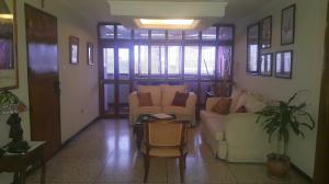 Apartamento En Venta En Maracaibo, Avenida Bella Vista, Venezuela, VE RAH: 16-8917