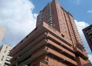 Apartamento En Venta En Caracas, Parroquia La Candelaria, Venezuela, VE RAH: 16-8968